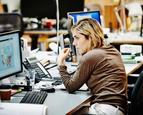 Az irodai munka veszélyei a gerincünkre
