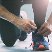cipőfűző bekötése és a derék fájdalom
